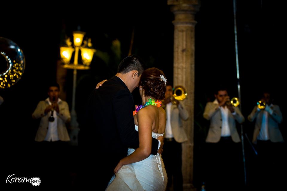 boda_colima_korami_colima_jardin_de_bodas_el_eden-eden_eventos-mariana_rosete-templo_nogueras-fotografos_de_boda-fotografos_colima-fotografo_mexico-carlos_espinoza-comala-foto_colima-boda_colima-047