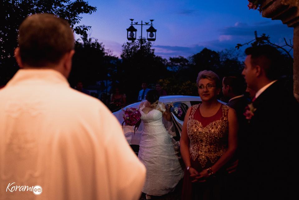 casate_conmigo-korami_colima-hacienda_pastores-fotografos_de_boda-fotografos_colima-lupita_gutierrez-nogueras_comala-fotografo_mexico-fotografo_nacional-vestidos_de_novia-tips_de_boda-novia-035