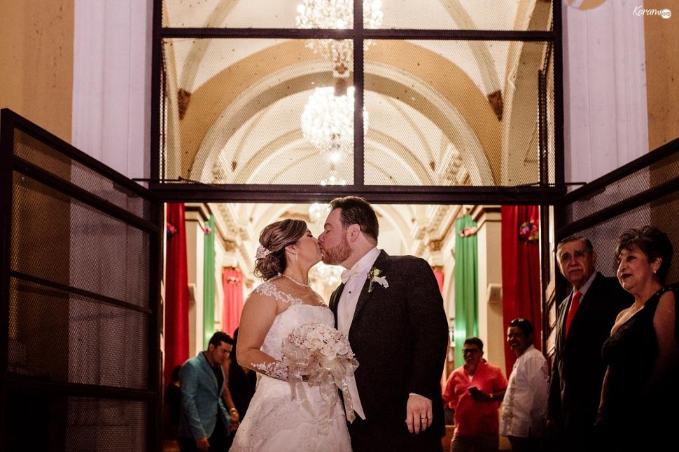 Jardín de eventos XANAH-Salon_para_Bodas_Colima_Fotografo_Bodas_Organizacion_Banquete-Flores--029