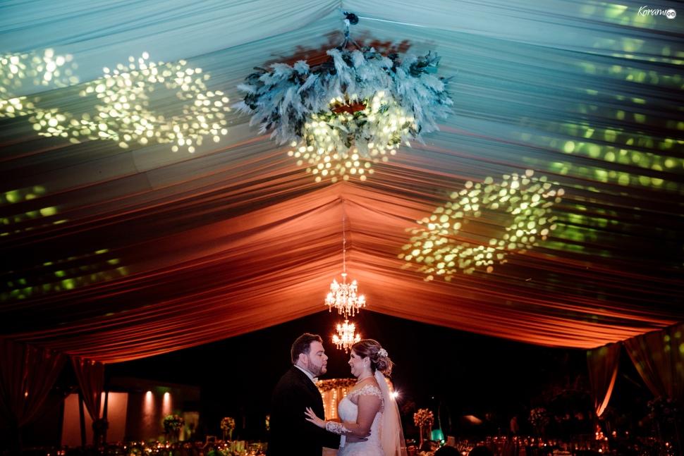 Jardín de eventos XANAH-Salon_para_Bodas_Colima_Fotografo_Bodas_Organizacion_Banquete-Flores--035