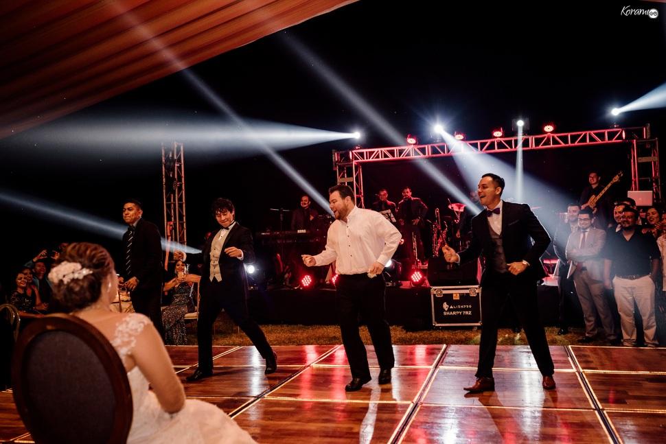 Jardín de eventos XANAH-Salon_para_Bodas_Colima_Fotografo_Bodas_Organizacion_Banquete-Flores--047