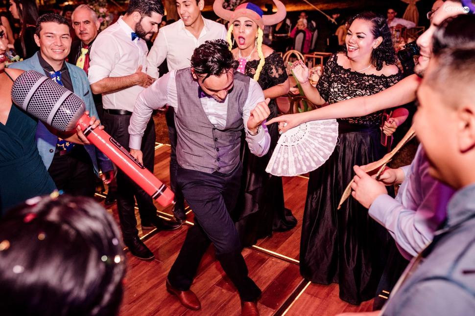 Jardín de eventos XANAH-Salon_para_Bodas_Colima_Fotografo_Bodas_Organizacion_Banquete-Flores--066
