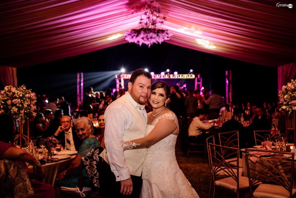 Jardín de eventos XANAH-Salon_para_Bodas_Colima_Fotografo_Bodas_Organizacion_Banquete-Flores--071